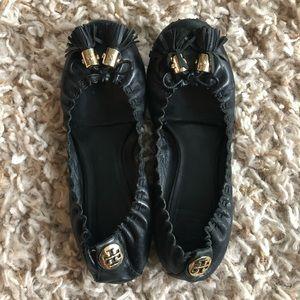 Tory Burch Size 7 Black Reese Tassels Flats